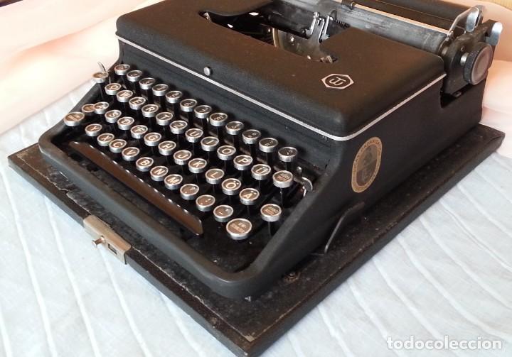 Antigüedades: Máquina escribir antigua. Marca Torpedo. Años 60. - Foto 4 - 254366735