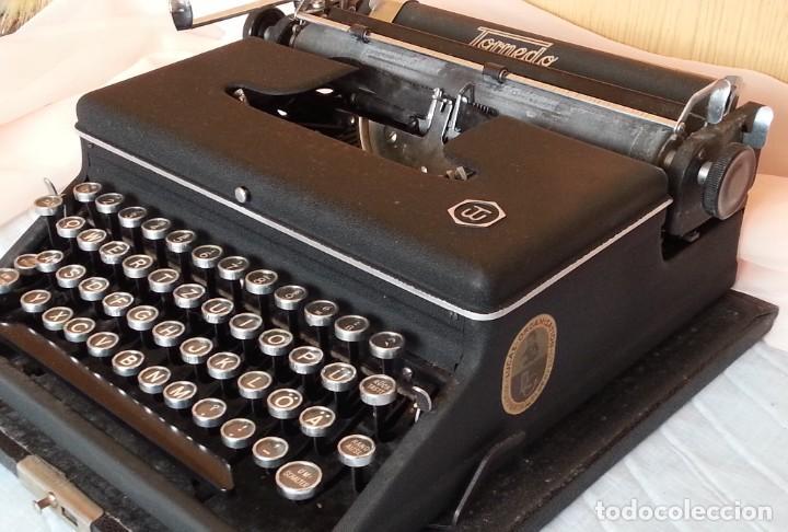 Antigüedades: Máquina escribir antigua. Marca Torpedo. Años 60. - Foto 5 - 254366735