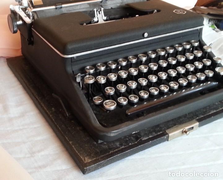 Antigüedades: Máquina escribir antigua. Marca Torpedo. Años 60. - Foto 7 - 254366735