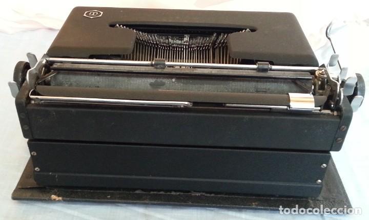 Antigüedades: Máquina escribir antigua. Marca Torpedo. Años 60. - Foto 10 - 254366735