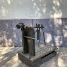 Antigüedades: ANTIGUA BASCULA INDUSTRIAL ,S.VAGRIÑA. Lote 254415220