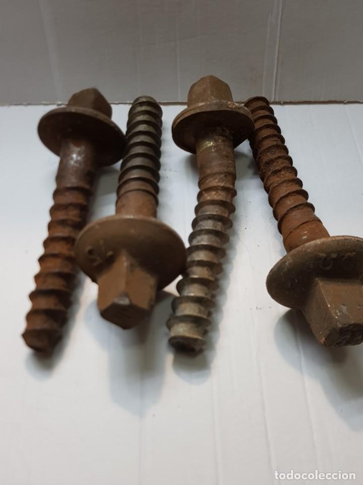 TORNILLOS ANTIGUOS DE TRAVESAÑO TREN GRANDES LOTE 4 (Antigüedades - Técnicas - Cerrajería y Forja - Varios Cerrajería y Forja Antigua)