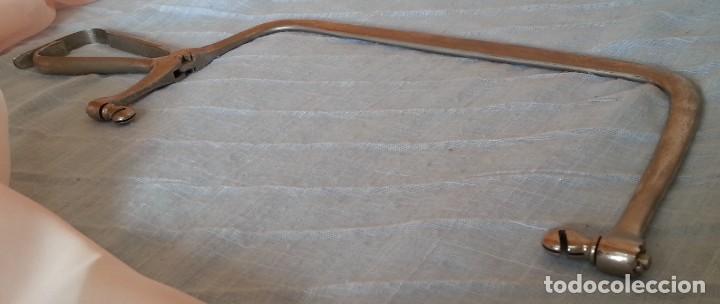 Antigüedades: Sierra quirúrgica para amputación. Años 70. - Foto 6 - 254451295