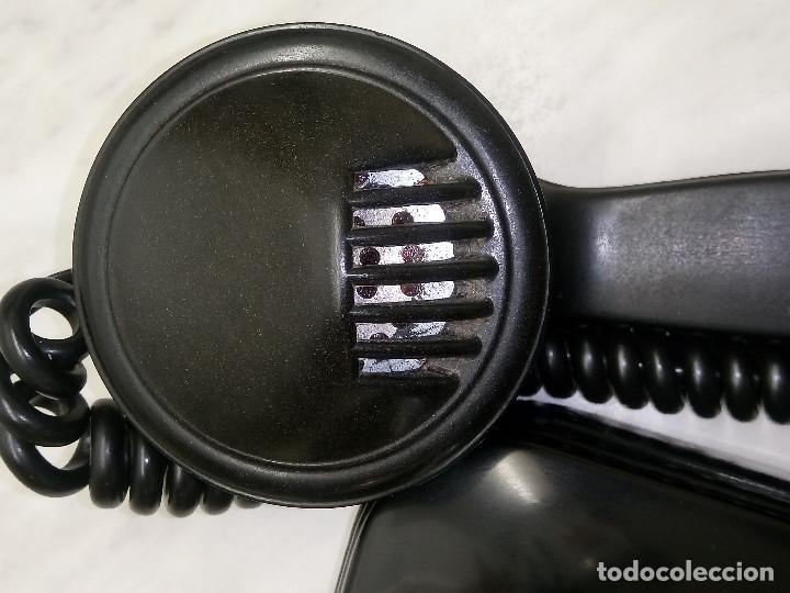 Teléfonos: ANTIGUO TELEFONO DE MESA. 1.955/60 - TELEFONICA. FUNCIONANDO. BUEN ESTADO. DESCRIP. Y FOTOS. - Foto 10 - 254567165