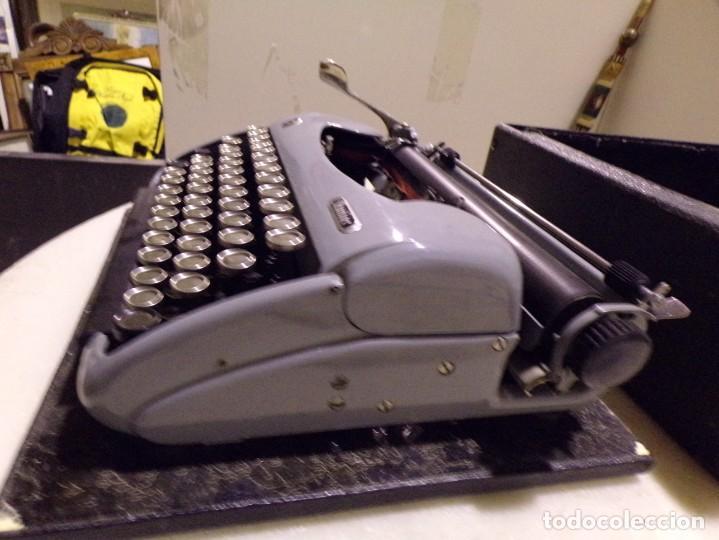 Antigüedades: maquina de escribir modelo junior 58 en muy buen estado - Foto 5 - 254697275