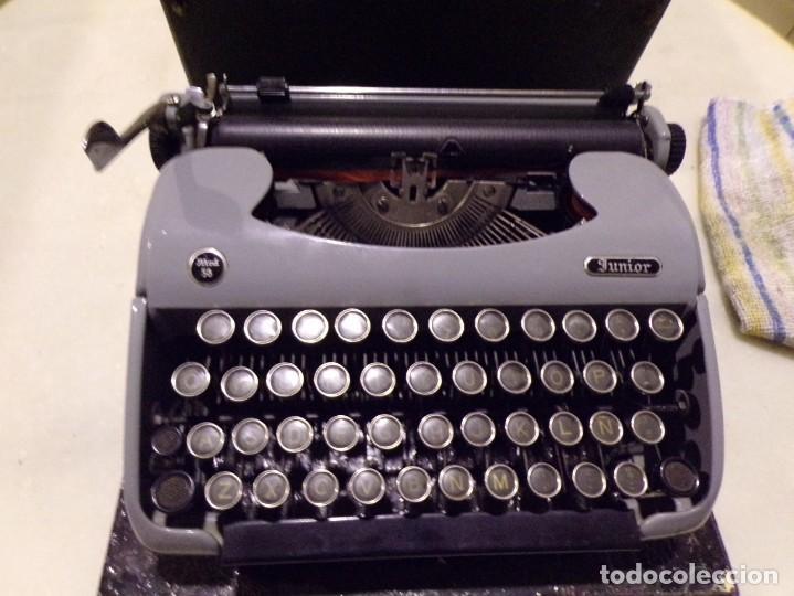 Antigüedades: maquina de escribir modelo junior 58 en muy buen estado - Foto 6 - 254697275