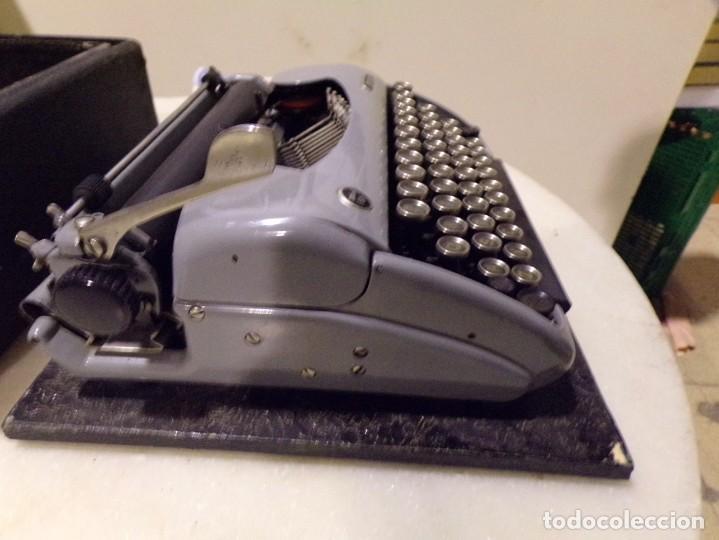 Antigüedades: maquina de escribir modelo junior 58 en muy buen estado - Foto 7 - 254697275
