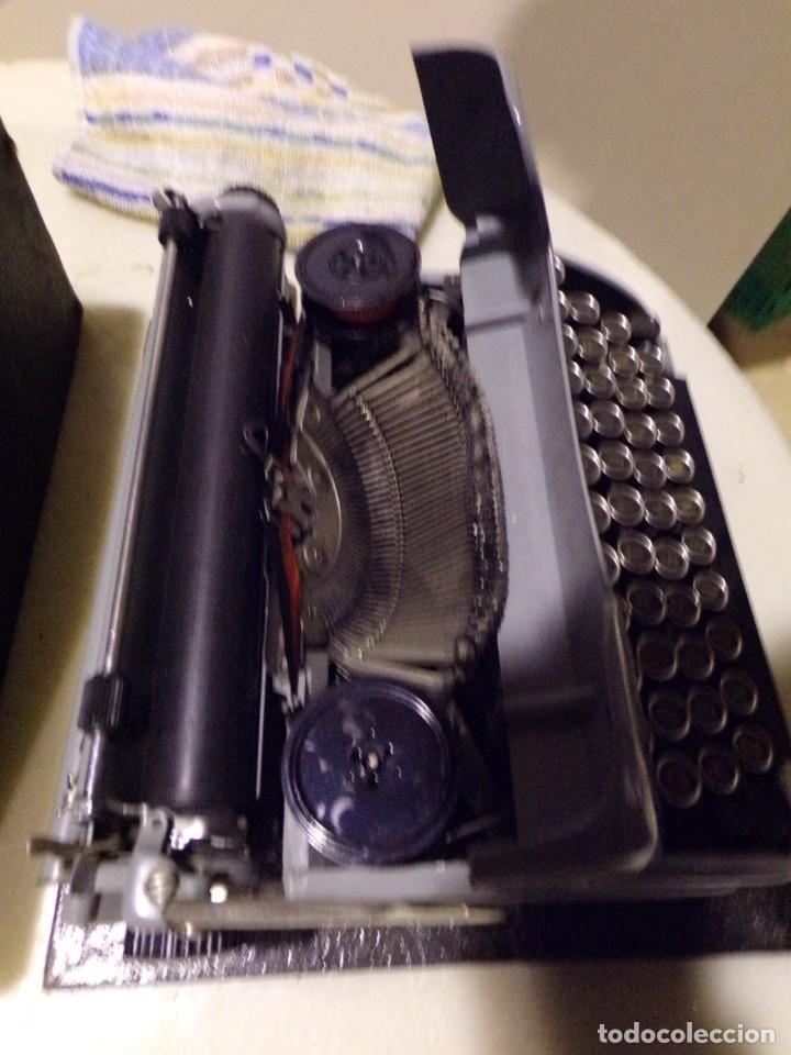 Antigüedades: maquina de escribir modelo junior 58 en muy buen estado - Foto 8 - 254697275