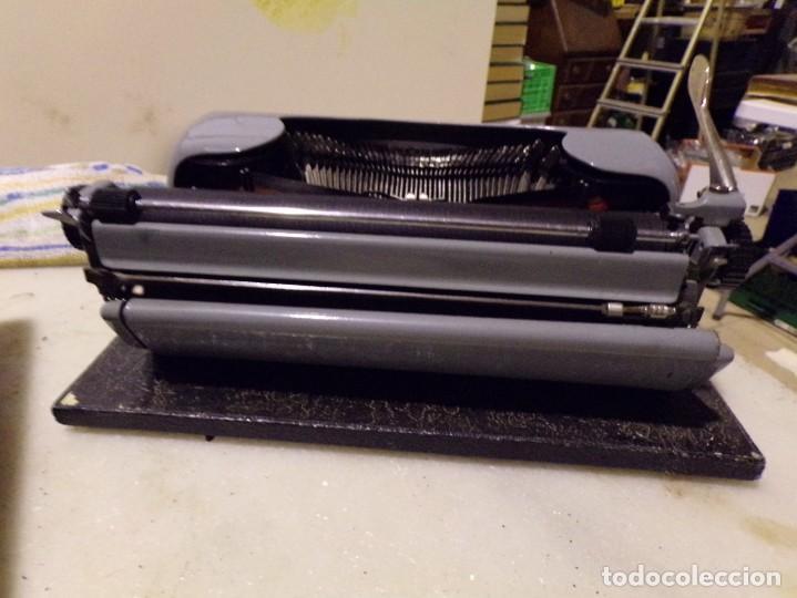 Antigüedades: maquina de escribir modelo junior 58 en muy buen estado - Foto 10 - 254697275