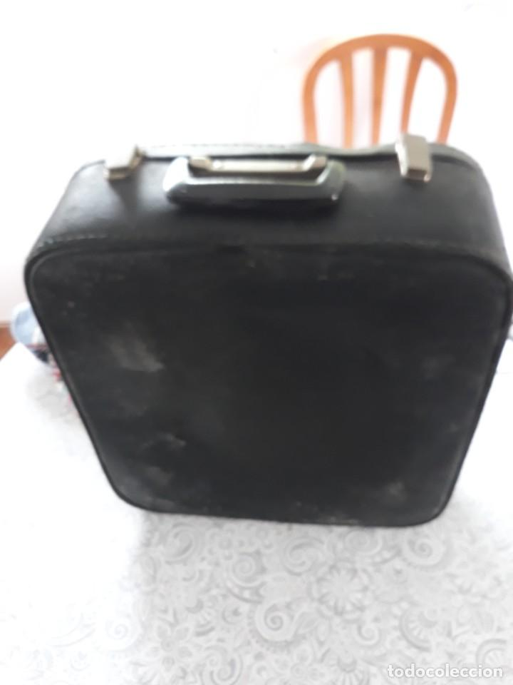 Antigüedades: Maquina escribir portatil hispano olivetti - Foto 3 - 254733675