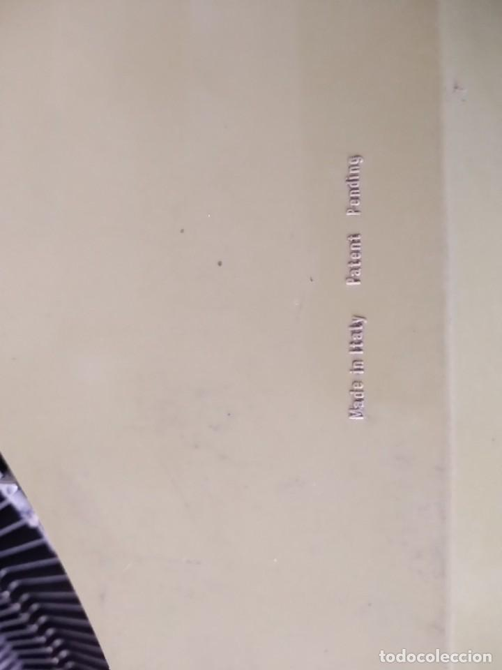 Antigüedades: Olivetti Lettera 25 Maquina de escribir - Foto 3 - 255330580