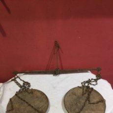 Antigüedades: ANTIGUA BALANZA ROMANA . VER LAS IMÁGENES. Lote 255384155