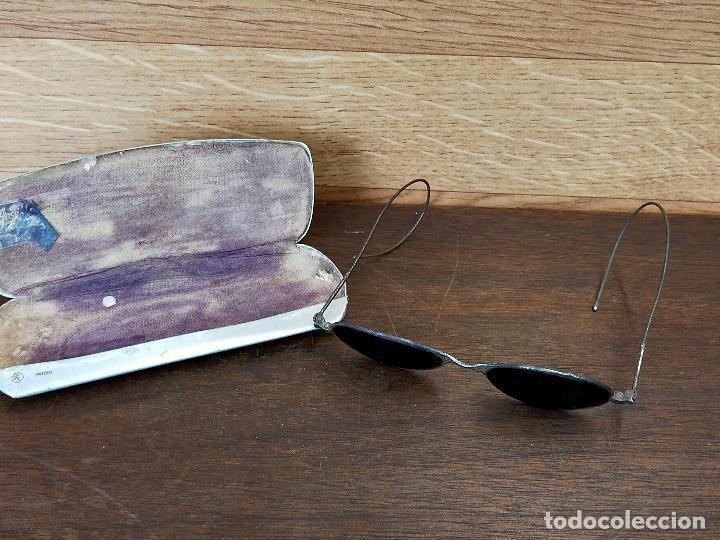 ANTIGUAS GAFAS DE SOL CON FUNDA EN MUY BUEN ESTADO (Antigüedades - Técnicas - Instrumentos Ópticos - Gafas Antiguas)