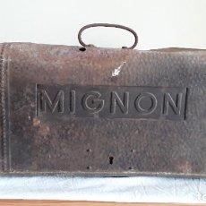 Antigüedades: FUNDA MÁQUINA ESCRIBIR MIGNON. Lote 255459775
