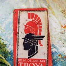 Antigüedades: CURIOSA Y ANTIGUA HOJA DE AFEITAR COMPLETA MARCA TROYA, BUEN ESTADO.. Lote 255527030