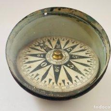 Antigüedades: BRÚJULA MAGNÉTICA VINTAGE. Lote 255543595