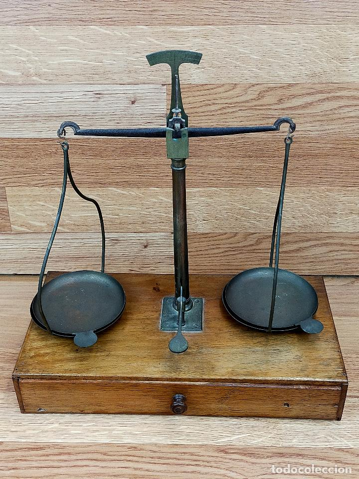 ANTIGUA BALANZA PESAMONEDAS CON PESAS Y PONDERALES DECIGRAMOS (Antigüedades - Técnicas - Medidas de Peso - Balanzas Antiguas)