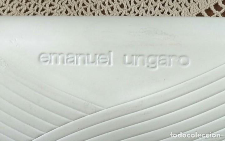 Antigüedades: Funda / Caja estuche para gafas EMANUEL UNGARO - Blanca - 16cm x 7cm x 4cm - Foto 2 - 255596390