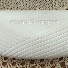 Antigüedades: FUNDA / CAJA ESTUCHE PARA GAFAS EMANUEL UNGARO - BLANCA - 16CM X 7CM X 4CM. Lote 255596390