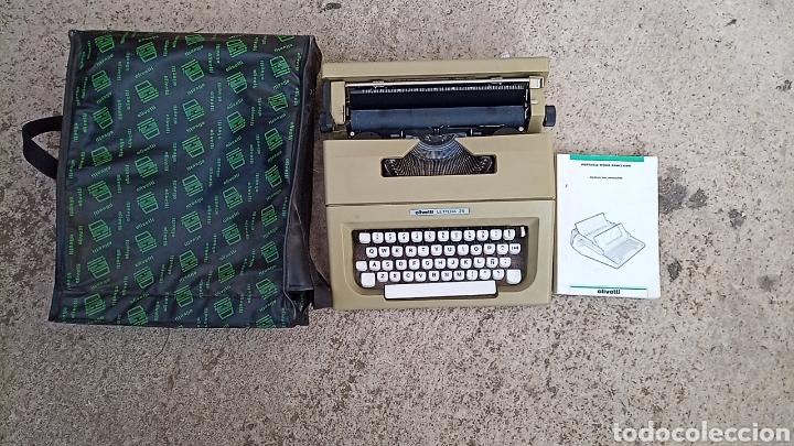 MAQUINA DE ESCRIBIR OLIVETTI LETTERA 25 CON BOLSA DE TRANSPORTE Y LIBRO DE INSTRUCCIONES (Antigüedades - Técnicas - Máquinas de Escribir Antiguas - Olivetti)
