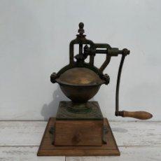 Antigüedades: GRAN MOLINILLO DE CAFÉ PEUGEOT, MODELO A-2 DE MANIVELA LATERAL. Lote 255943060
