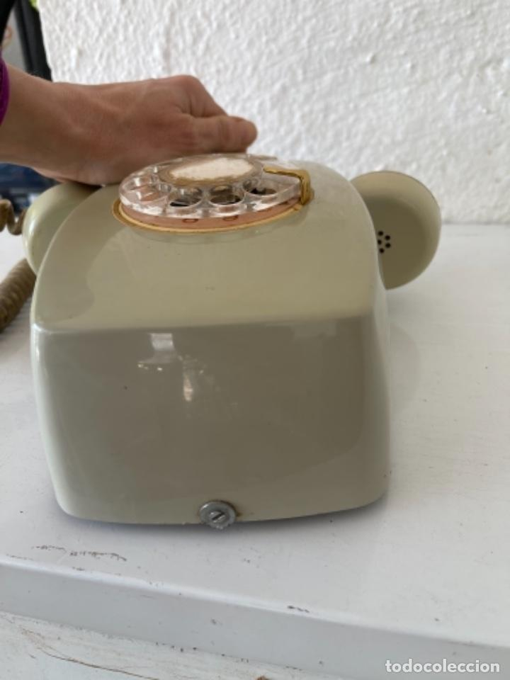 Teléfonos: Antiguo teléfono heraldo de pared vintage color beige compañía nacional de telefonía - Foto 5 - 255976895