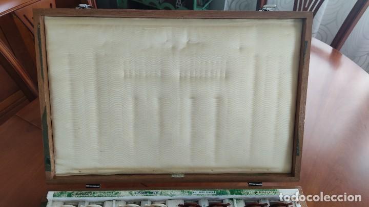 Antigüedades: CAJA OFTALMOLOGÍA DE LENTES COMPLETA CON SUS GAFAS DE AJUSTES MUY ANTIGUA MARCA AMORIEX NEW YOK - Foto 13 - 255991315