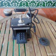 Teléfonos: ANTIGUO TELEFONO MARCADO POST BP DFE AP 300 , CON MANIVELA Y TECLADO OCULTO. Lote 256016720