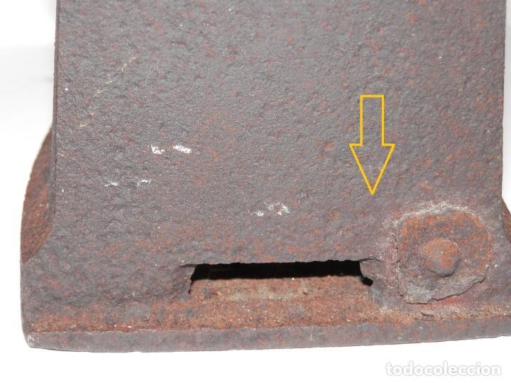 Antigüedades: UNA ANTIGUA PLANCHA DE CARBON - Foto 4 - 256049895