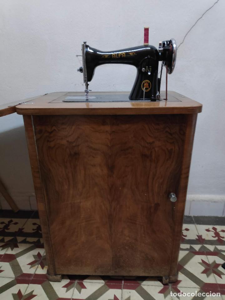 MÁQUINA COSER ALFA (Antigüedades - Técnicas - Máquinas de Coser Antiguas - Otras)