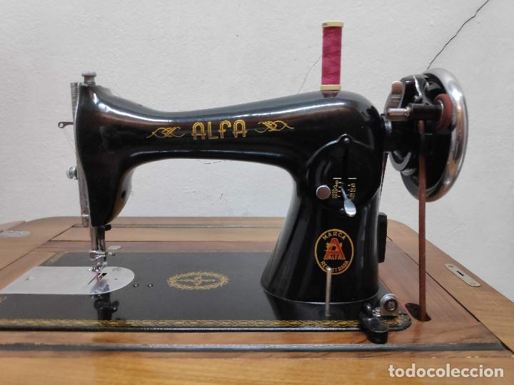 Antigüedades: Máquina coser Alfa - Foto 2 - 256079040