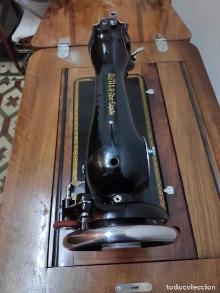 Antigüedades: Máquina coser Alfa - Foto 8 - 256079040