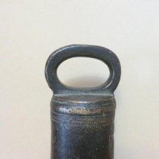 Antigüedades: PESA DE 2 LIBRAS O ARRATEIS PORTUGAL 1860. Lote 256368210
