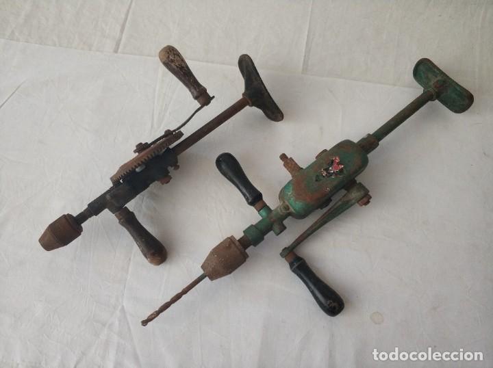 LOTE DE DOS TALADROS ANTIGUOS MANUALES (Antigüedades - Técnicas - Herramientas Profesionales - Albañileria)
