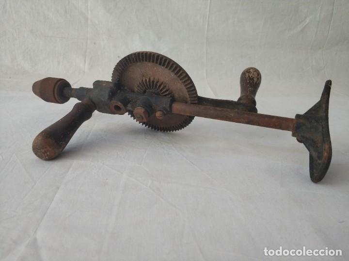 Antigüedades: Lote de dos taladros antiguos manuales - Foto 2 - 257276230