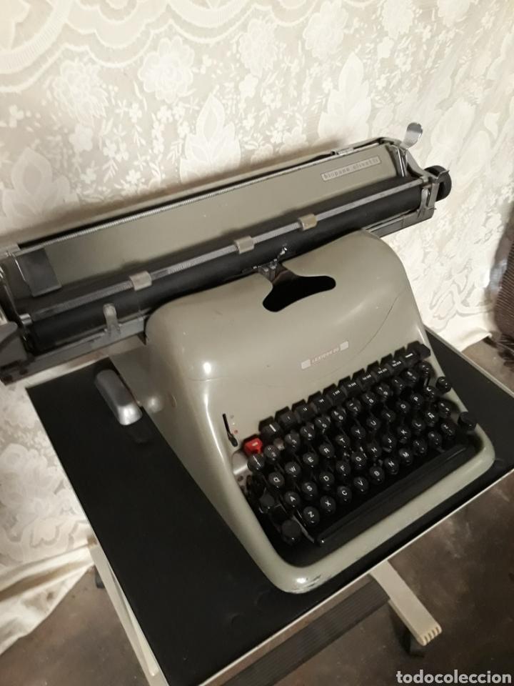 ANIGUA MÁQUINA DE ESCRIBIR HISPANO-OLIVETTI CON MUEBLE (Antigüedades - Técnicas - Máquinas de Escribir Antiguas - Olivetti)