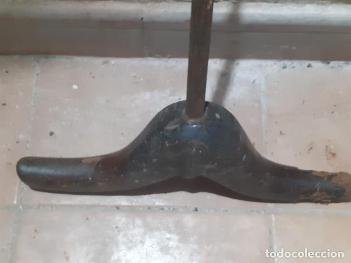 Antigüedades: ANTIGUO FORMON VACIADOR DE MADERA, USADO PARA ZUECAS O MADREÑAS / LOTE DE DOS UNIDADES - Foto 18 - 257336520