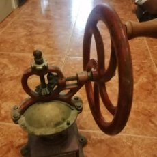 Antigüedades: MOLINILLO DE CAFÉ MARCA ELMA TAMAÑO 0. ESPAÑA. CA. 1924/55. PINTURA ORIGINAL 36 CM APROX. Lote 257393425