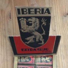 Antigüedades: EX 28 CA CU EXPOSITOR 10 CAJAS Y 100 CUCHILLA DE AFEITAR IBERIA EXTRA LUJO HOJA. Lote 257429770