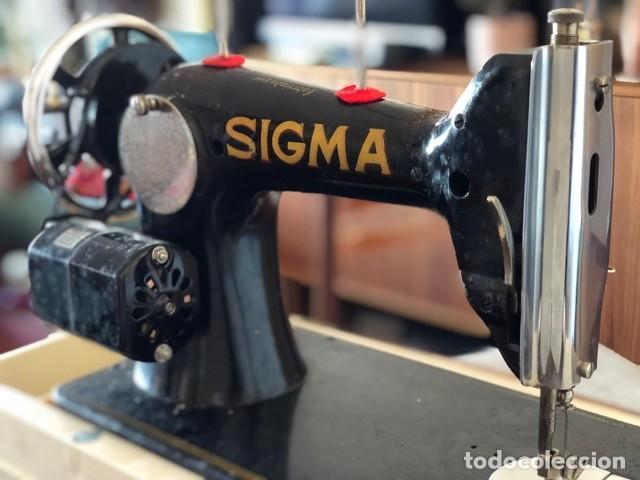 Antigüedades: Máquina de coser antigua marca Sigma - Foto 11 - 257432150