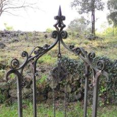 Antigüedades: ANTIGUO BROCAL - ARCO DE POZO - HIERRO FORJADO - CON POLEA Y CADENA - S. XIX-XX. Lote 257461885