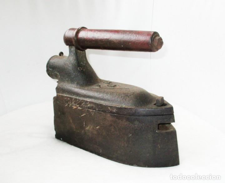 Antigüedades: GRAN PLANCHA DE SASTRE. U.C. MONDRAGÓN. PESA MÁS DE 8 KILOGRAMOS. - Foto 4 - 257473775