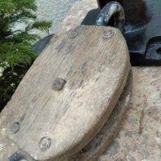 Antigüedades: LOTE DE 3 POLEAS, PASTECAS O GARRUCHAS DE VELEROS MUY ANTIGUAS. Lote 257550565