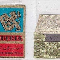 Antigüedades: FUNDA Y HOJA DE CUCHILLA DE AFEITAR ANTIGUA - IBERIA CEFINO 1,50 PTAS. Lote 257653900
