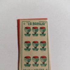 Antigüedades: HOJA DE AFEITAR - LA BARAJA - 9 DE COPAS - HOJA CON FUNDA. Lote 257927475
