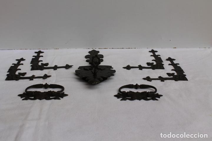 HERRAJES PARA BARGUEÑO DEL SIGLO XVII (Antigüedades - Técnicas - Cerrajería y Forja - Cerraduras Antiguas)