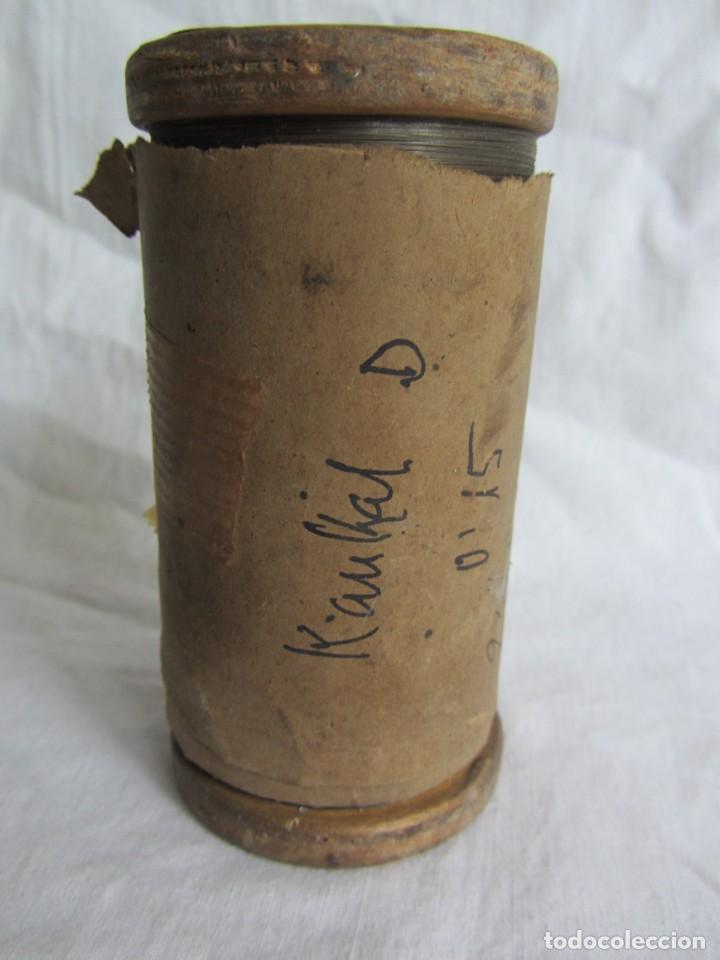 Antigüedades: Bobina de madera hilo resistivo para fabricar resistencias 1300ºC, 0,15 mm de diámetro - Foto 2 - 258998310