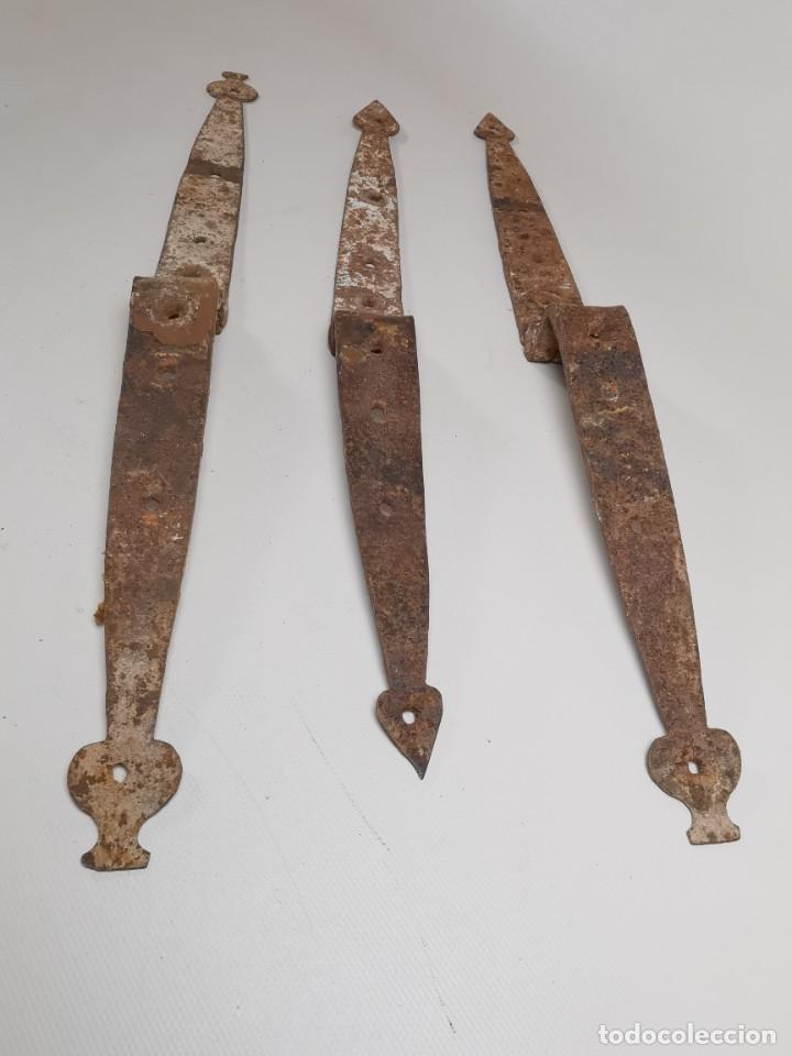 Antigüedades: LOTE BISAGRAS PARA TAPA DE ARCON ARCA BAUL CATALAN SIGLO XVIII ORIGINAL - Foto 5 - 259025200
