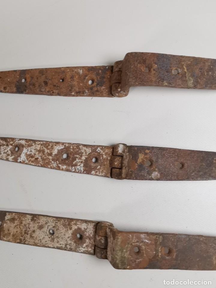 Antigüedades: LOTE BISAGRAS PARA TAPA DE ARCON ARCA BAUL CATALAN SIGLO XVIII ORIGINAL - Foto 11 - 259025200