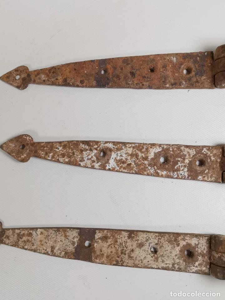 Antigüedades: LOTE BISAGRAS PARA TAPA DE ARCON ARCA BAUL CATALAN SIGLO XVIII ORIGINAL - Foto 12 - 259025200